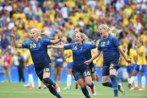 Sofia Jakobsson kom in i matchen i mitten av den andra halvleken. Till slut fick hon jubla tillsammans med lagkamraterna efter straffdramat.