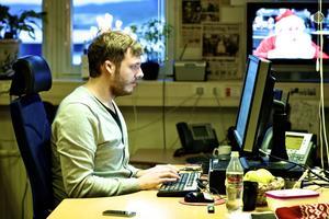 Ingen julvila. DT:s webbredaktör Anders Wahl får ingen julvila i år. Han tillhör skaran som kommer att jobba under julhelgen. Tipsa gärna honom om nyheter - sms/mms:a 72023.
