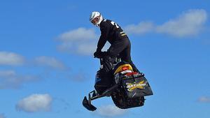 Jens Nordqvist hoppar också med skotern - som en hobby.