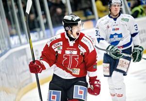 Robin Olsson stannar i Örebro Hockey ytterligare två säsonger.