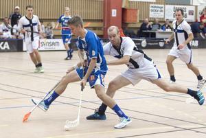 Andrakedjans Fredrik Linde inledde målskyttet efter en och en halv minut och satte även 8–1 i slutet av andra perioden.