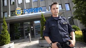 """Problemet kan sprida sig när många poliser överväger att lämna yrket eller byter jobb, menar Ralf Andersson, ordförande i polisförbundet Västmanland. """"Det riskerar att bli en ond cirkel, där fler och fler lämnar"""", säger han."""