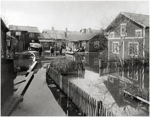 Engelbrektsgatan 40, (dåvarande nr 26) Exekutionsbetjänt E.G. Gustafssons gård. Foto: Fornstedt