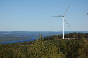 RFAB, Rättviks Fastigheter AB planerar att sälja ett av sina två vindkraftverk på Hedboberget i Ore.