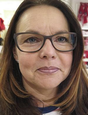 Malin Lindgren, 44   – Det är bra, jag känner inte av det så mycket. Jag tycker att man blir piggare.
