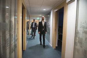 Informationschef Olof Lundvall deltog på invigningen och visade därefter runt i de nya lokalerna.