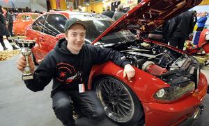Peter Ström, Rengsjö, prisades för sin BMW. När han köpte den var den bara en tom kaross. Så här ser den ut efter mycket tid, pengar och möda.