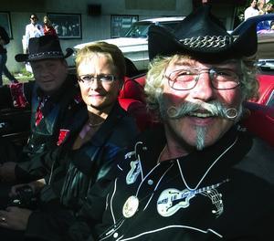 Direkt från Nashville. Göran Olsson från Gagnef och Anneli Hallén med maken Sven-Olov från Östersund. Foto:Mikael Forslund