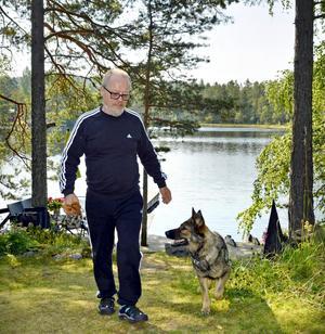 Friluftsstrateg med stort intresse för djur och natur. Fabbe har trots pensioneringen för avsikt att slutföra en del påbörjade projekt.