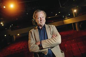 Krister Henriksson i samband med att han spelade rollen som Hugo Rask i Egenmäktigt förfarande på Scalateatern i Stockholm.