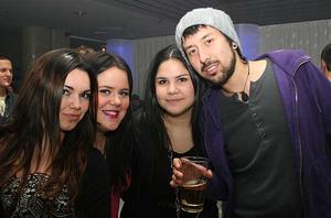 Pluto. Cindy, Evelina, Natalia och Francisco