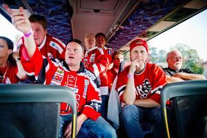 Örebrofans på väg till premiärmatchen mot Färjestad i fjol.