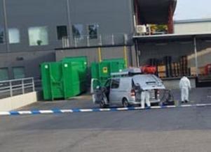 En stor polisinsats mötte förbipasserande nära Willys i Skönsberg på lördagsmorgonen.