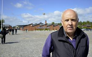 Ny chef. 1 juli tillträder Leif Lindström som gymnasiechef på Lindeskolan. Han kommer dock att bo kvar i Örebro och pendla till jobbet.