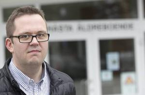 Livspusslet påverkar sjukskrivningarna bedömer Henrik Persson (S), ordförande för Hudiksvalls social- och omsorgsnämnd.