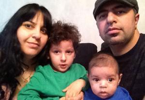 Familjen Mardanis tacomiddag förlorade sin tjusning när de hittade en död larv i majsen.