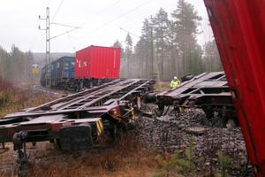 Det är oklart vad som orsakade tisdagens tågurspårning i Stavreviken.