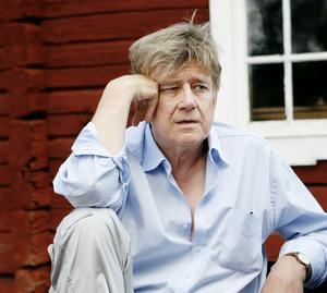 Regissören Hans Klinga har i år haft ett omarbetat manus av Ylva och Elisabet Eggehorn att utgå från.