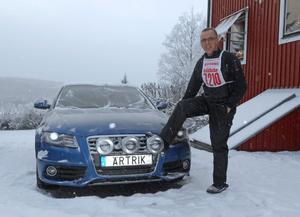 När Sven-Erik Abrahamsson gick över till Graninge Alliansen skaffade han också en personlig nummerplåt på bilen, givetvis blev det Ärtrik – byn där han växte upp och återvänt till efter många år i huvudstaden.