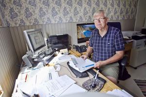 På sitt kontor i hemmet i Engånger har Ingemar Sandehult sparade alla försändelser som han reklamerat.
