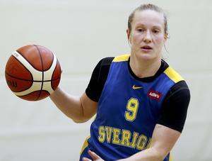 14. Elin Eldebrink, 27 år (10), basket. Efter en säsong i ryska ligan blev det en tuff sommar för landslagets lagkapten, som var småskadad under EM och hade svårt att hitta en ny klubb. Efter några månader i Belgien har hon nu flyttat till turkiska Orduspor.
