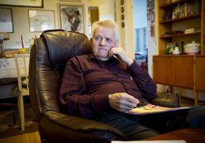 Lennart Lahti, 79, fick sänkt pension när hustrun blev sjuk och fick plats på ett gruppboende. När han överklagade beslutet blev det nobben igen.
