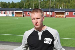 Emil Skogh på Hallsta IP under sommaren 2013.