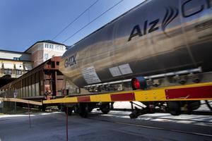 Många Hudikbor oroas över att det ska köra fler godståg genom stan, med både ökat buller och olycksrisk som följd.