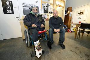 Enbente Daniel Aleman kommer på morgnarna till Slink in och då såg Bengt Persson att han var i behov av en ny rullstol.