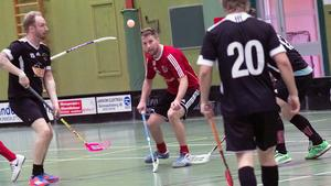 Magnus Bäckman har koll på bollen.