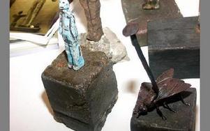 Ett par skulpturer visas också upp på konstutställningen.