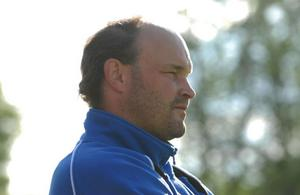 Nye LFK-tränaren Tommy Medén är besviken över de dåliga träningsmöjligheter som lagen i Västerbergslagen har.