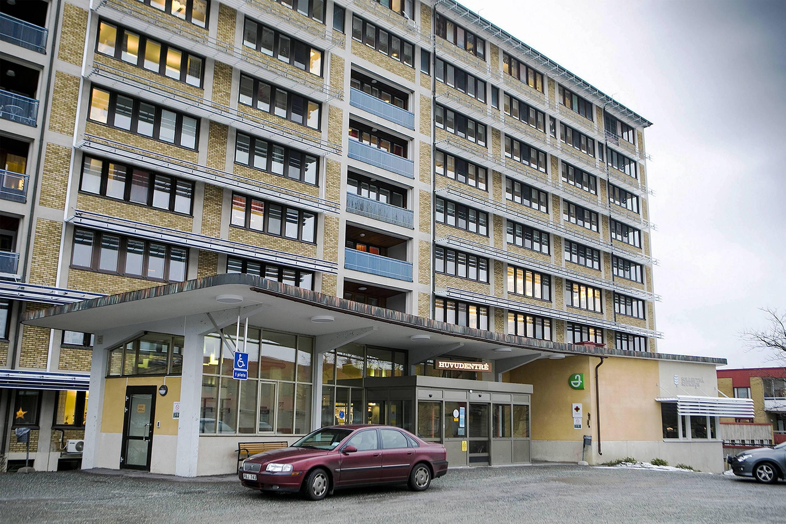 Landsting far salja mindre sjukhus