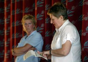 Eva Lindstrand och Ingrid Hassel från Timrå kommun kunde inte lova några nya pengar. Möjligen kunde de försöka få till justeringar för att rätta till de värsta bristerna.