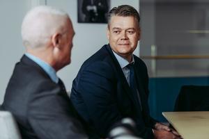 Mats Rahmström blir ny vd och och koncernchef för Atlas Copco. Här med Andrew Walker.