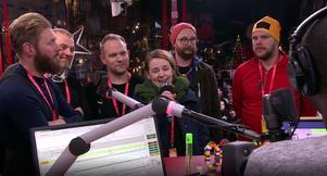 Hofors har fått massor av uppmärksamhet, bland annat här i direktsänd radio och tv när Marita Söderström  och Hoforsbor som cyklat ned till Örebro var med i Musikhjälpenstudion.