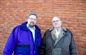 Alf Lundin och Folke Jonsson hoppas på stor framgång för vänstern i höstens kommunval. Folke, som precis återvänt till politiken, tror att partiet nästa mandatperiod kan ha 20–25 procent av väljarstödet.   Foto: Sandra Högman