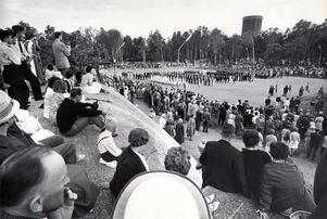 Svenska flaggans dag firas på Djäkneberget 1963.