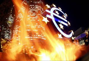 Eurons kris verkar snarare accelerera än mattas av. Halmstrået om att starta sedelpressarna i EIB:s regi verkar också komma allt närmre.
