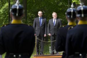 I juni mötte Peter Hultqvist den Finske försvarsministerkollegan Jussi Niinistö. De två länderna har beslutat att fördjupa sitt försvarssamarbete för scenarion bortom fredstida förhållanden.