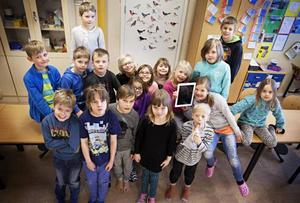 Eleverna i ettan på Lugnviksskolan tycker att det är kul att lägga ut bilder och skriva om sina skolarbeten i sin egen blogg.