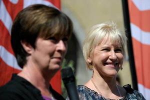 Mona Sahlin har byggt om sitt parti, röjt undan gammalt bråte och gjort plats för en rödgrön regering. Ingår Margot Wallström  i den?
