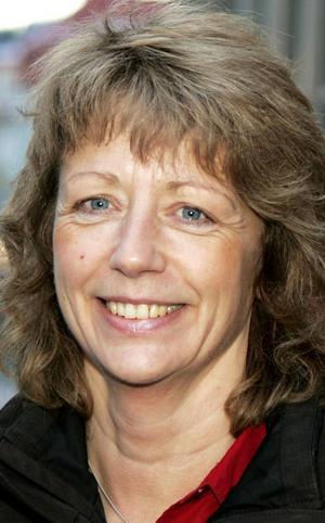 Lena Johansson,50 år, Backen i Ås:– En upplevelse. En upplevelse kan man göra tillsammans med någon. Det kan vara ett restaurangbesök eller biobesök. För prylar har vi väl nog av.