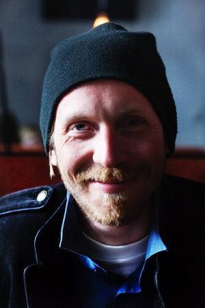– Jag har varit så lycklig den senaste tiden, säger Gustav Hedström, även känd som Kape.