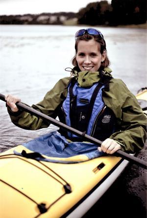Ellen Melne har provat på många idrotter, bland annat segling och paddla kanot. Den här bilden togs utanför Sundsvall.