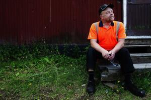 Dan Lindebergs hus eldades upp i samband med översvämningen år 2000. Han har kommit över det och blickar sällan tillbaka.