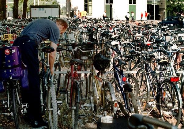 Upprustning. Cykelställen i Västerås behöver rustas upp och bli fler, det var resultatet av en ny utredning. Foto: per Groth/arkiv