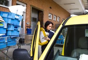 Fyra provturer fick Linn Färnlund åka med på tillsammans med ordinarie personal på sträckan innan hon fick köra den ensam för första gången. Nu kan hon den in i minsta detalj.