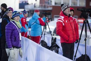 Anna Carin Zidek var på plats vid världscupen i Östersund i helgen, främst som åskådare, men hon gav också lite hjälp till det kanadensiska landslaget där maken Tom Zidek är chefsvallare.