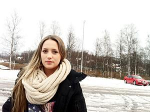 Alexandra Jorda går tredje året på Sandvikens praktiska och berörs därför inte av sammanslagningen. Men hon var med på mötet och säger att många tog emot nyheten positivt.